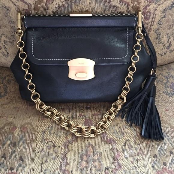 Big Sale Prada leather coin style gold chain tasse.  M 5af22df3f9e50173cf2f0753 57c8a6d18e64e